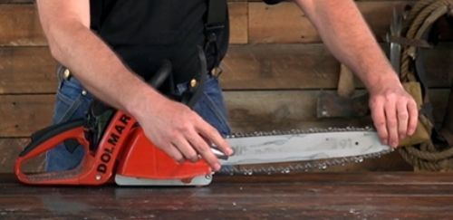 Mounting A New Chainsaw Chain: The Correct Direction
